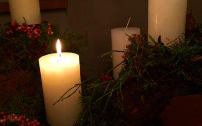 Adventsbeginn am Pfarrhaus